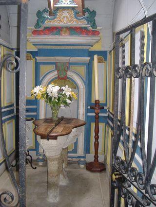 Intérieur de l'église dans Non classé fondsbaptismaux
